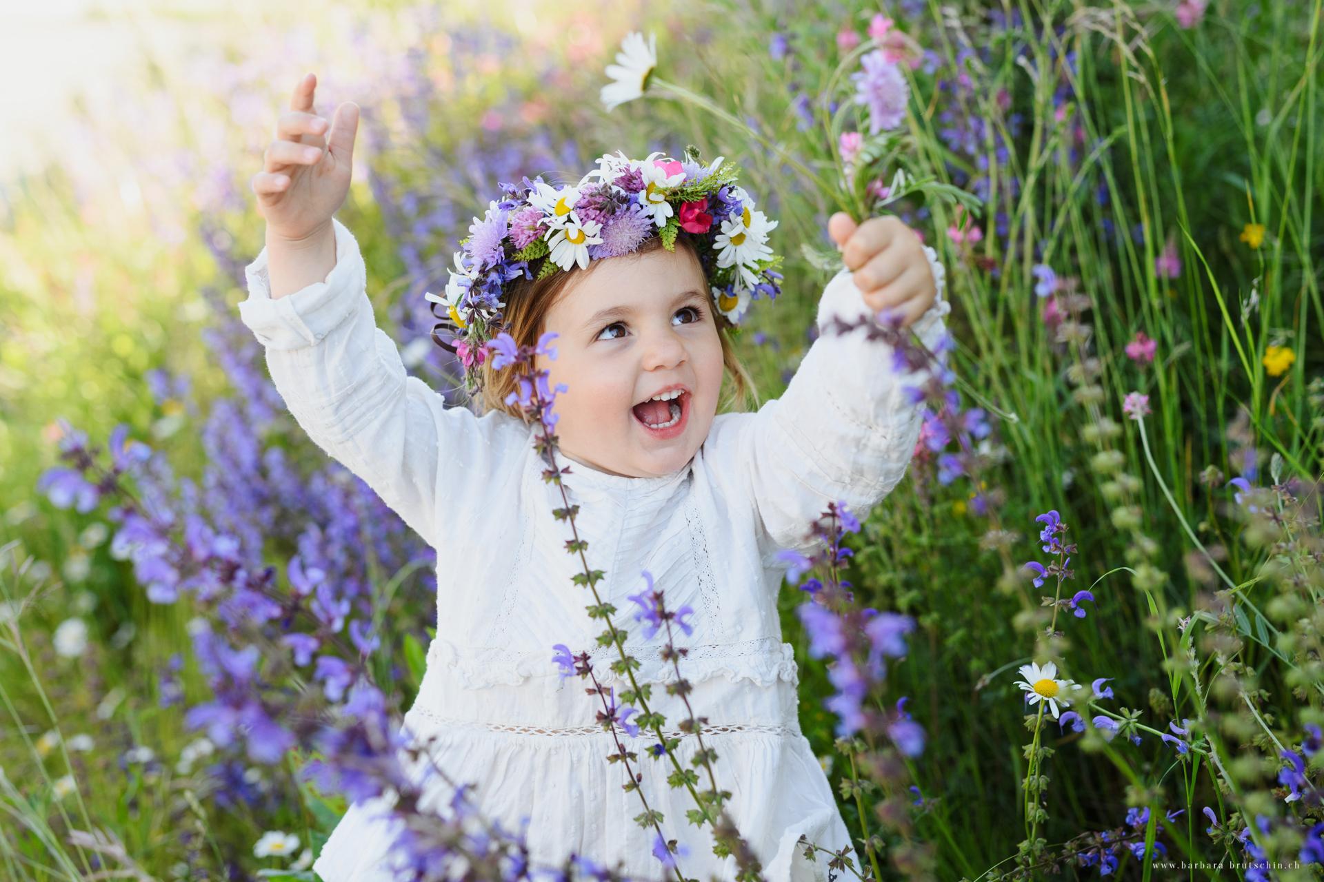 Blumenmädchen Kinderfotografie Luzern
