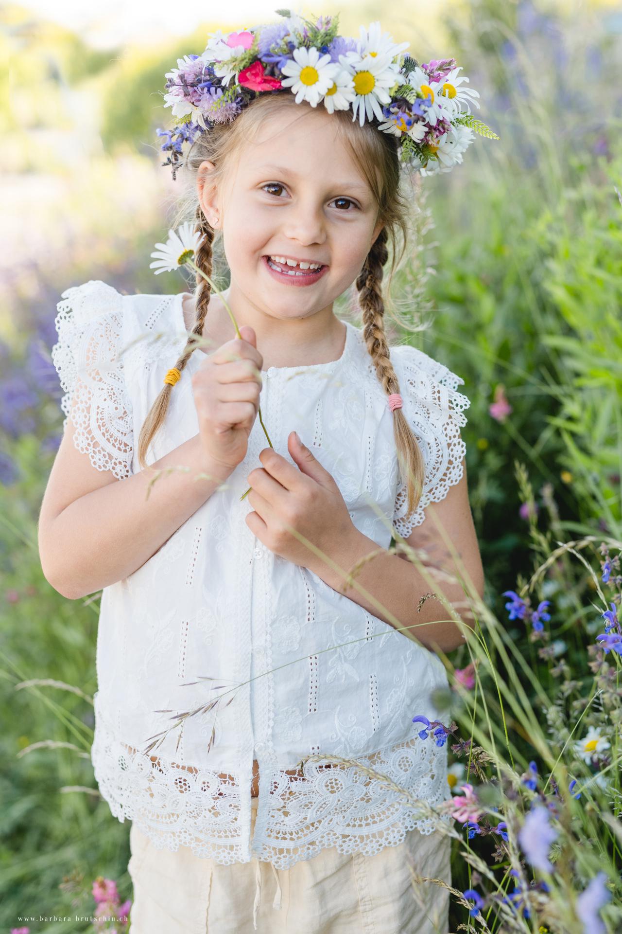 Blumenmädchen Kinderfotografie Oberkrich LU