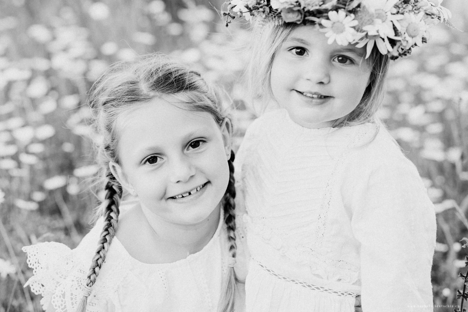 Blumenmädchen Kinderfotografie Schweiz